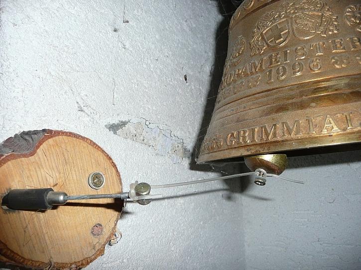 Antikutil - když zvon zvoní z hor