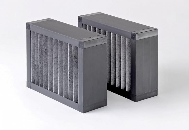 Uhlíkové filtry odstraňující v systému řízeného větrání nepříjemné pachy.