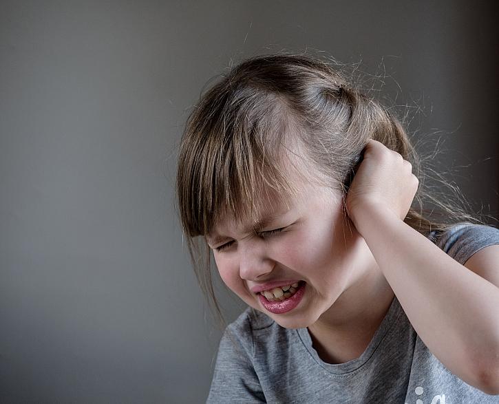 Bolavé uši u dětí i dospělých jsou nepříjemná záležitost (Zdroj: Depositphotos)
