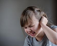 Bolavé uši u dětí i dospělých jsou nepříjemná záležitost