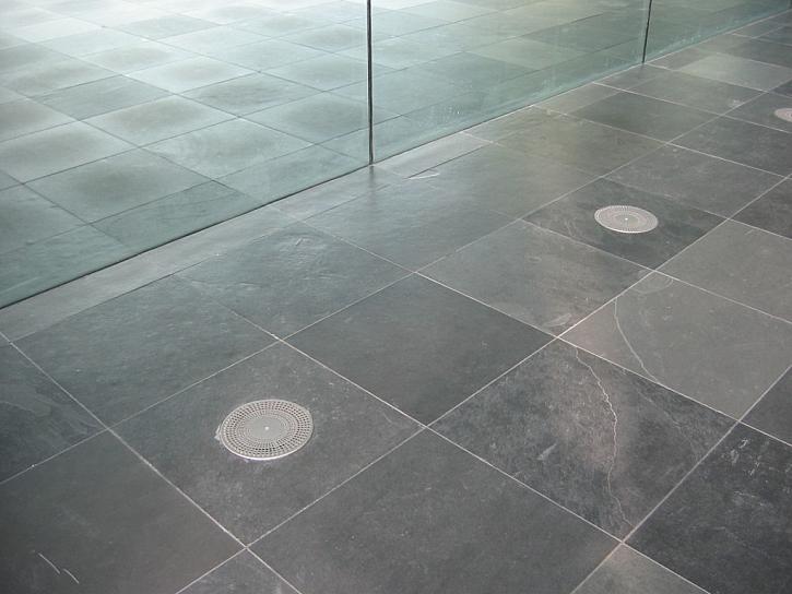 Je Cetris vhodný na podlahy?