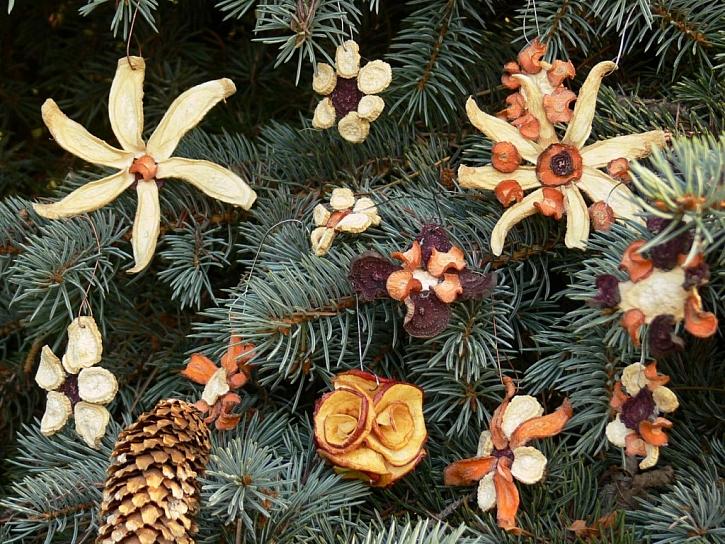 Přírodní ozdoby na vánoční stromeček