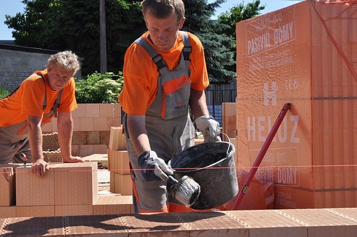 HELUZ vám pomůže se stavbou domu svépomocí