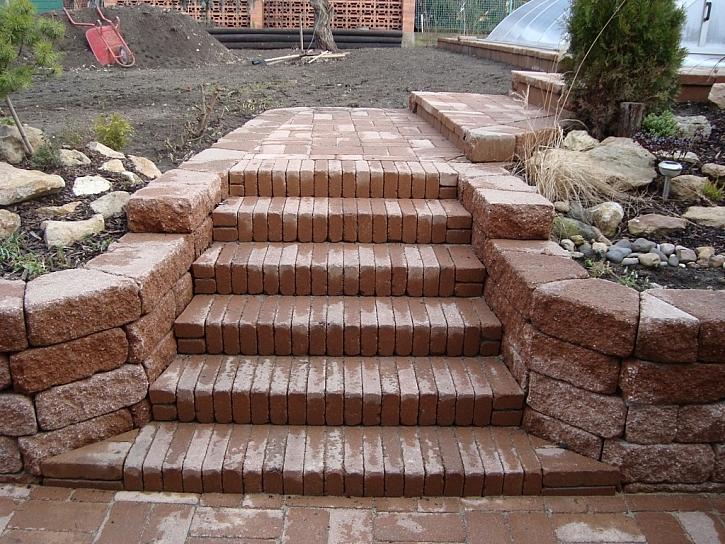 Vytvoření zděných venkovních schodišť