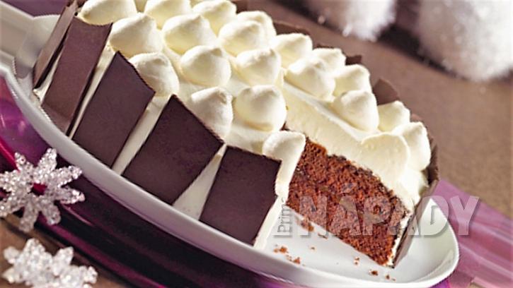 Bílá zima v kuchyni: recept na nadýchaný zasněžený dort