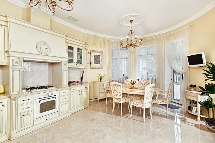 Béžová se hodí především do kuchyně, je to mírná a příjemná barva
