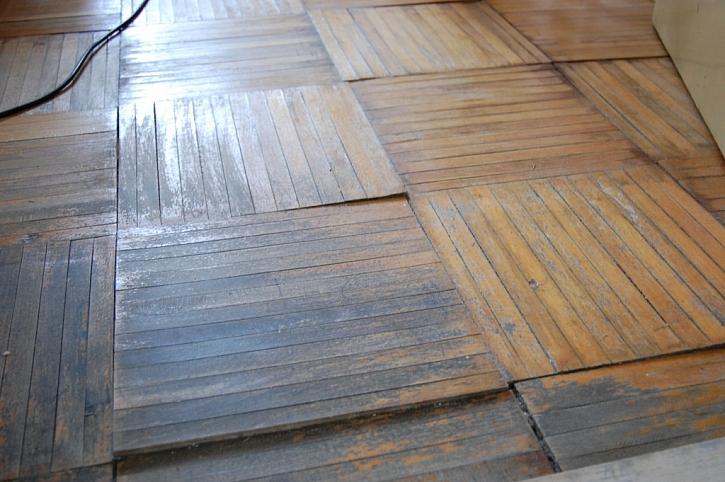 Vodovodní škody, kdy někoho vytopíte, patří k těm nejčastějším, které se z občanského odpovědnostního pojištění hradí. Zničená dřevěná podlaha pak není ničím výjimečným.