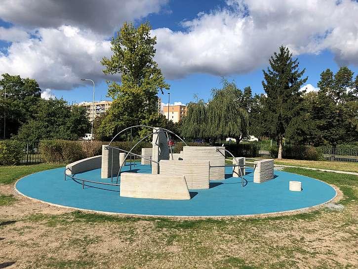 Praha má první 3D tištěné parkourové hřiště na světě (Zdroj: AMI Communications)