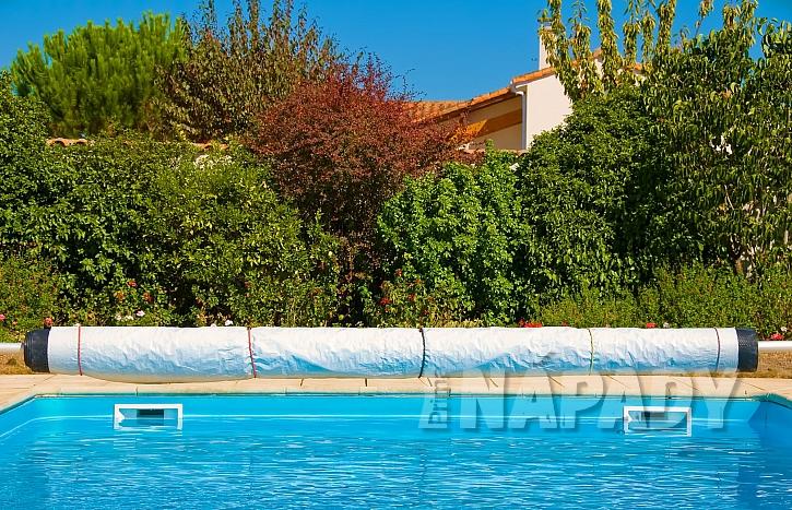 Plachta na bazén (Zdroj: Depositphotos.com)