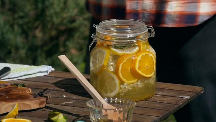 Skvělý recept na bezinkovou limonádu