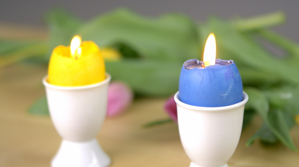 Svíčky ve skořápkách: Jak využít zbytků vosku na velikonoční výzdobu
