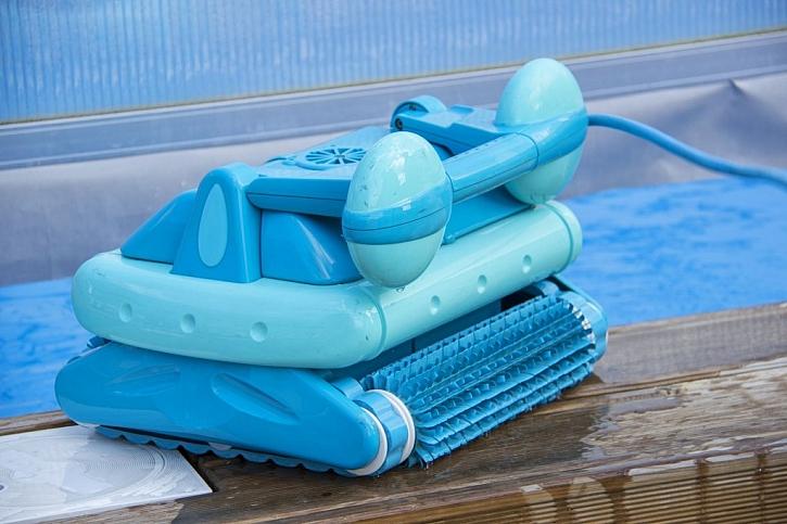 Technika pokročila a bazén už umí vyčistit bazénoví roboti zcela sami