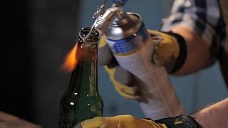 Tvarování skleněné lahve