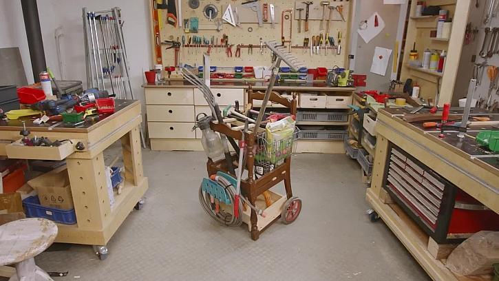 Jak vyrobit ze staré židle užitečného pomocníka na zahradu