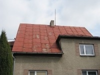 Střecha zasluhující rekonstrukci