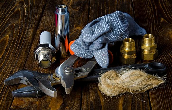 Instalatérské potřeby k drobným opravám