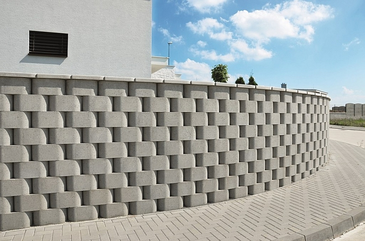S tvarovkami RONDE BLOCK bude váš plot originální