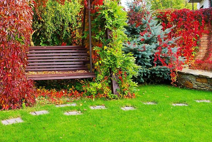Na zahradách je stále ještě spousta práce, na co nesmíme zapomenout? (Zdroj: Depositphotos)