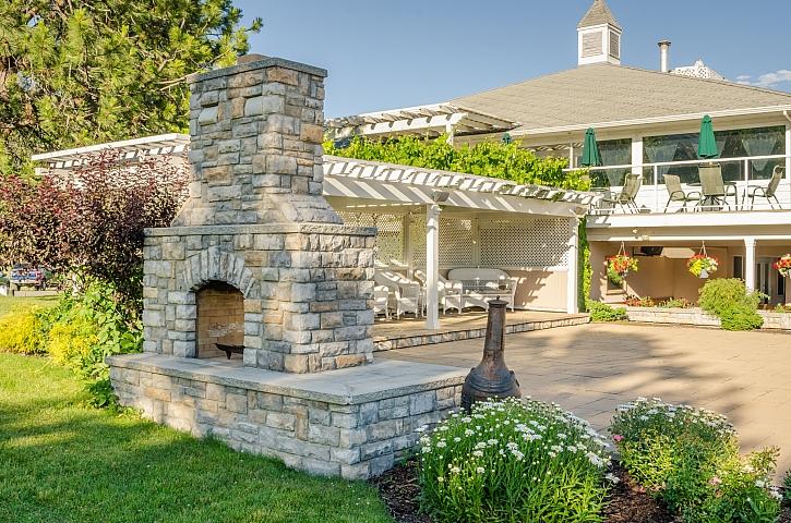 Najděte místo pro váš zahradní gril a pusťte se do stavby (Zdroj: Depositphotos)