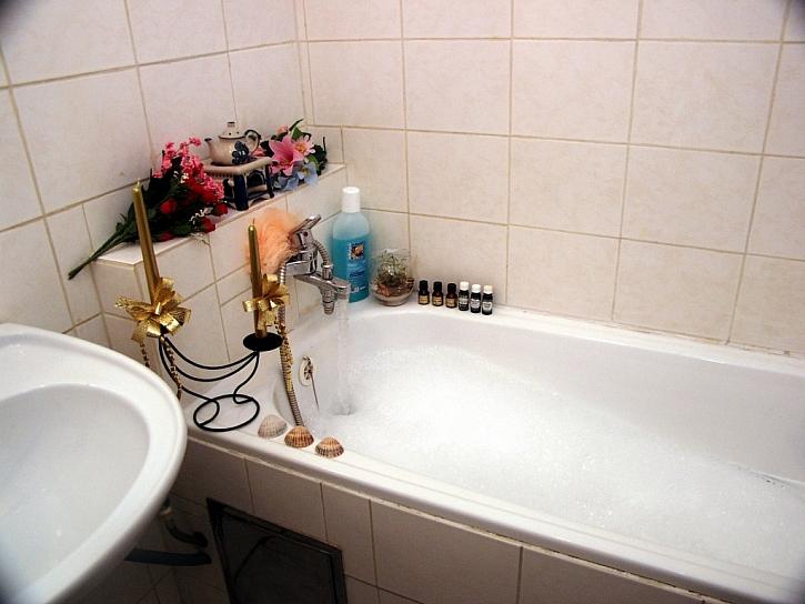 SINCOLOR RADÍ (3. část): Jak renovovat starou plechovou vanu nebo jiné kovové předměty v domácnosti, na chatě nebo chalupě