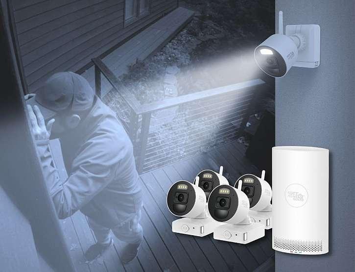 bezpečnostní kamera na domě