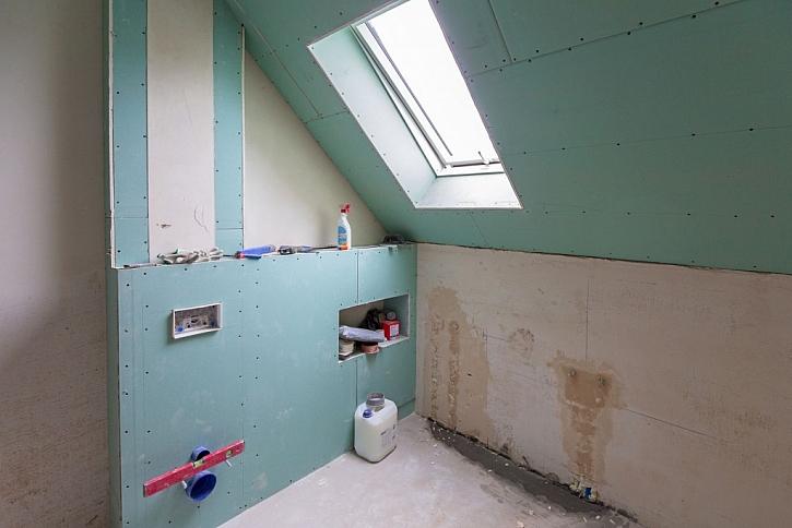 Rekonstrukce koupelny by měla zahrnovat i výměnu všech odpadů