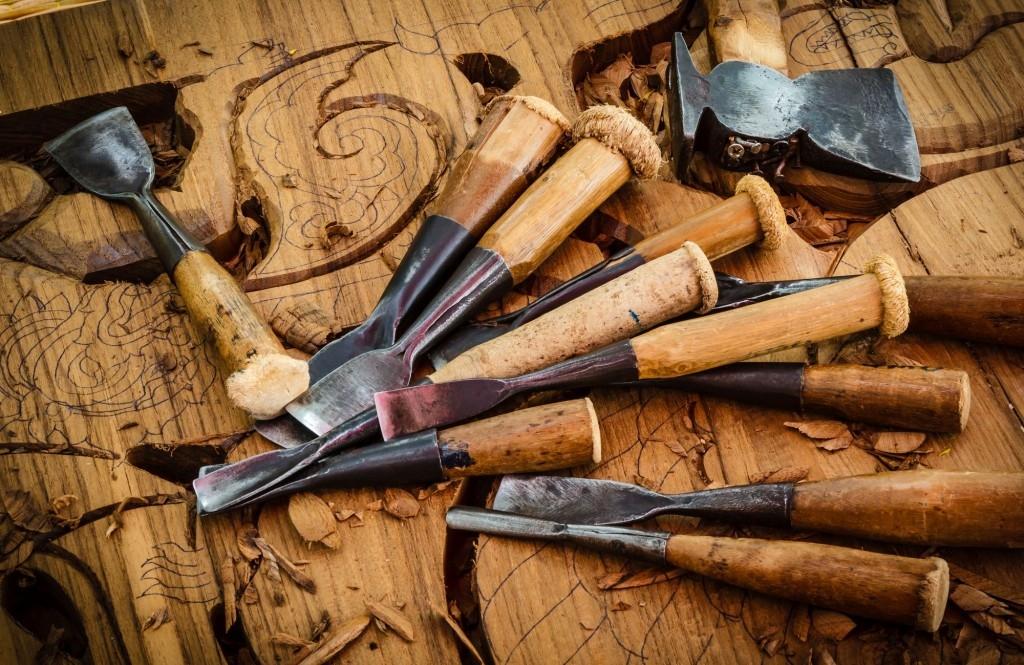 Které ruční nářadí potřebujete pro snadné opracování dřeva