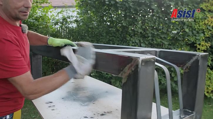 Očištění kovového základu