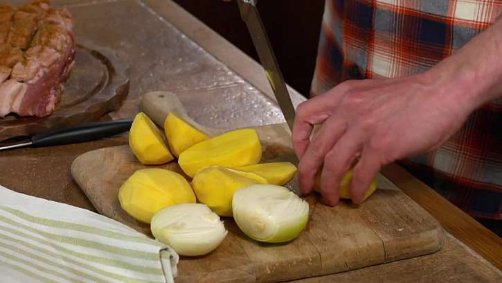Nakrájení brambor