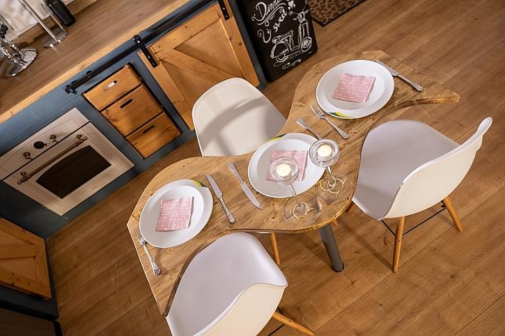 Vychytaný jídelní stůl od Pepy Libického