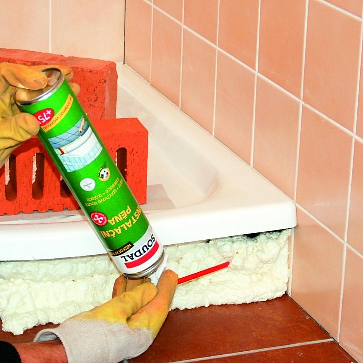 Upevnění vany polyuretanovou pěnou