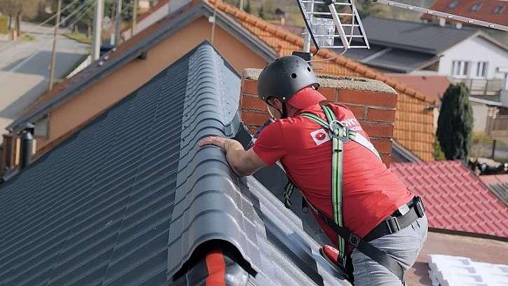 Usazení hřebene střechy