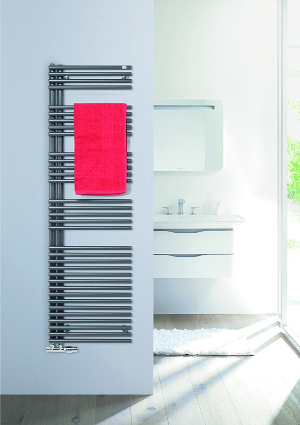 Zehnder_RAD_Forma_Asym_chrome_bathroom_towel_Print_46250