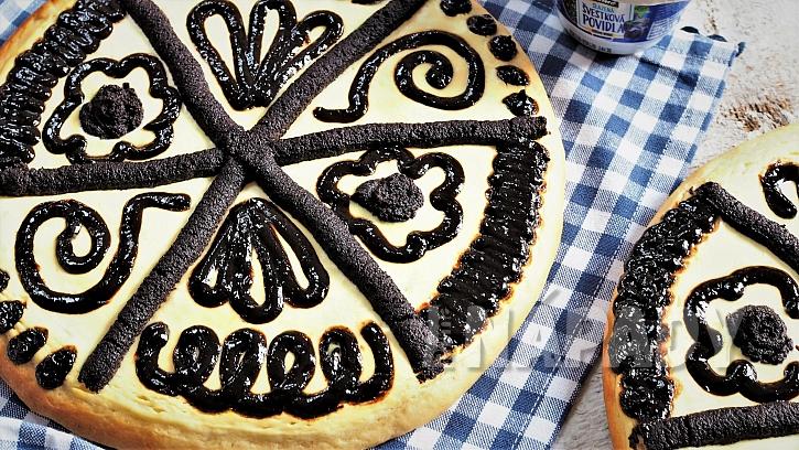 Recept na chodské koláče: kynuté těsto a základní pruhovaný vzor zvládnou i začátečníci