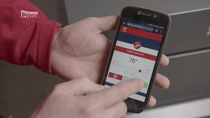 Mobil s aplikací