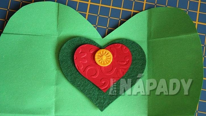 Valentýnka s překvapením: knoflík pro štěstí
