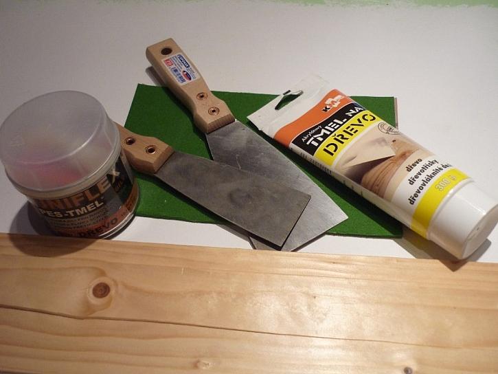Opravy dřeva a kovu pomocí tmelu