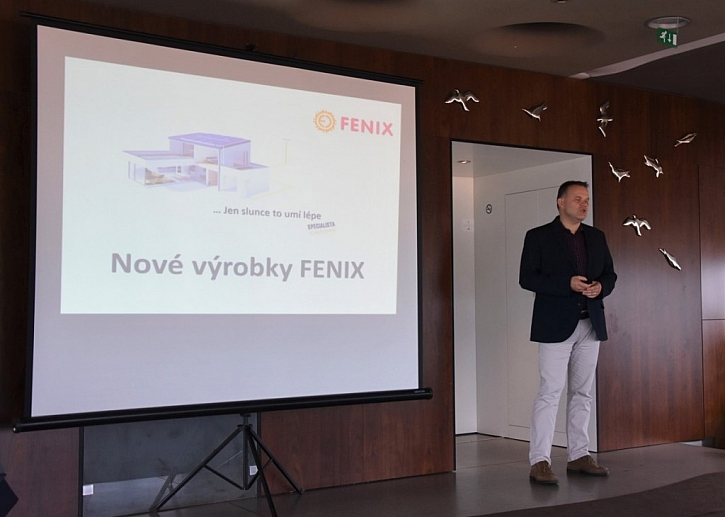 Miroslav Petr, vedoucí tuzemského obchodu, představil novinky v oblasti sálavých panelů.