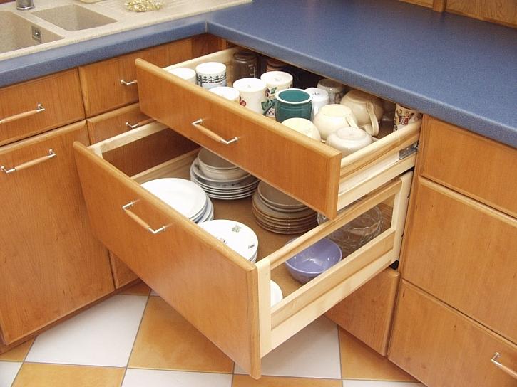 Přednosti zásuvek v kuchyni