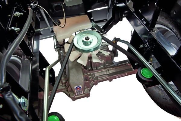 Robustní hydrostatická převodovka je obdobou klasického automatu, jaký známe z moderních automobilů