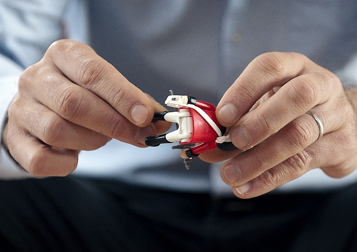 Nejlepší taťka na světě opraví i rozbitou hračku