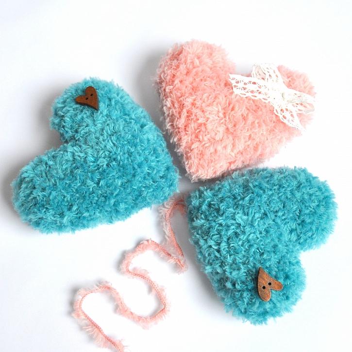 Háčkované srdíčko nejen pro zamilované udělá radost i ostatním (Zdroj: Kateřina Ramil)