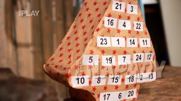Originální adventní kalendář z ruliček od toaletního papíru