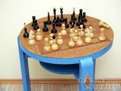 Šachový stolek
