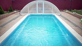 Zastřešení a plachty skvěle doplní bazén