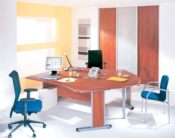 Moderní stůl do pracovny