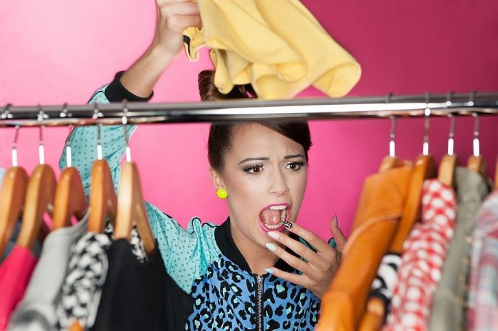 Pokud budeme oblečení čas od času prohlížet, moli nebudou mít příležitost u nás zdomácnět