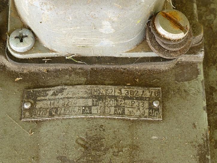 Sekačku z minulého století tahem zapni, stiskem vypni