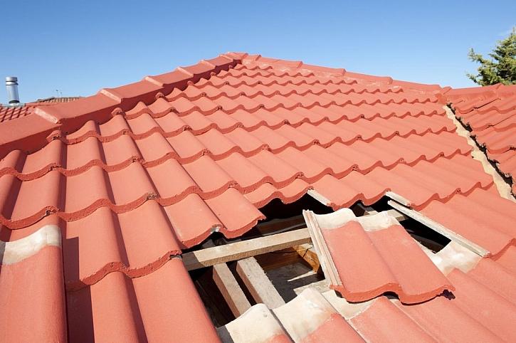 Kontrola střechy ve správný čas zamezí pozdějším rozsáhlým opravám