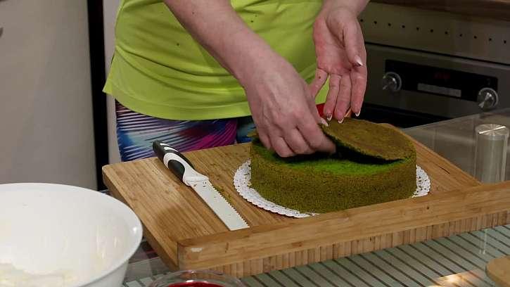Odkrojení vrchu dortu